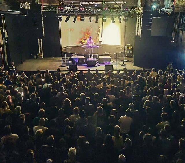 Last week we welcomed @djshadow to @marblefactorybristol 🎧 Thanks to everyone that came down, helping to make it a brilliant show! 💿 - #marblefactory #bristol #djshadow
